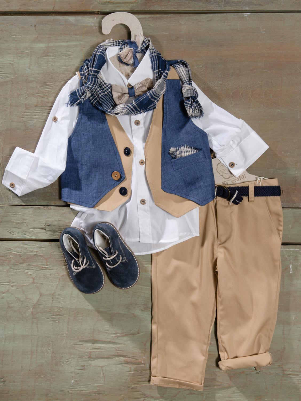#vaftistika #agori #denim #beige Ένα πρωτότυπο βαφτιστικό σετ για αγόρι με μοναδικό γκιλεκάκι που περιλαμβάνει: Πουκάμισο λευκό Παντελόνι μπεζ Γκιλέκο με διχρωμία και ιδιαίτερα κουμπιά Φουλάρι αντρικό Ζώνη Μποτάκι ανατομικό χειρποίητο Παπιγιόν Για εκείνους που ζωγραφίζουν έξω από τις γραμμές! Διαθέσιμο σε όλα τα νούμερα κατόπιν παραγγελίας. ΤΙΜΗ: 195Ε + 65Ε τα μποτάκια