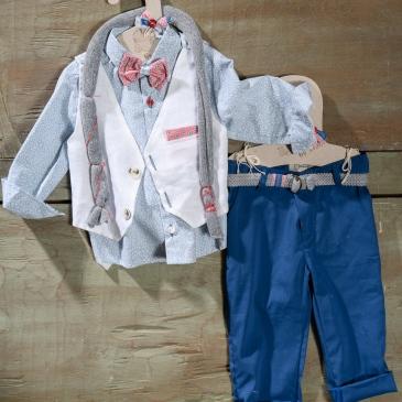 #petitmonsieur #christening #boy Ένα μοδάτο βαφτιστικό σετ για αγόρι σε συνδυασμό μπλε και κόκκινου που περιλαμβάνει: Πουκάμισο με γεωμετρικό print Γιλέκο λευκό με μαντηλάκι στο πέτο Παντελόνι μπλε Παπιγιόν ασορτί Ζώνη ασορτί Αντρικό φουλάρι Για τους δανδήδες των βαφτίσεων! Διαθέσιμο σε όλα τα νούμερα κατόπιν παραγγελίας. Τιμή: 180 Ε Εαν επιθυμείτε κάτι ακόμα πιο ιδιαίτερο επικοινωνήστε μαζί μας και θα χαρούμε να το δημιουργήσουμε αποκλειστικά για εσάς.