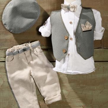 #grey #babysuit #christening #boy Ένα αψεγάδιαστο βαφτιστικό σετ για αγόρι σε εκρού -γκρι που περιλαμβάνει: Πουκάμισο λευκό Γιλέκο εκρού- γκρι με μαντηλάκι στο πετό Παντελόνι εκρού με ασορτί λεπτομέρεια Παπιγιόν ασορτί Ζώνη ασορτί Τραγιάσκα Για τους φίλους του απέραντου γαλάζιου! Διαθέσιμο σε όλα τα νούμερα κατόπιν παραγγελίας. Τιμή: 185 Ε Εαν επιθυμείτε κάτι ακόμα πιο ιδιαίτερο επικοινωνήστε μαζί μας και θα χαρούμε να το δημιουργήσουμε αποκλειστικά για εσάς.