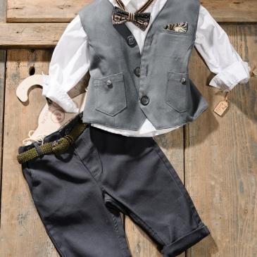 #littleman #kidsclothing #christening Ένα κομψό βαφτιστικό σετ για αγόρι με μοδάτα αξεσουάρ που περιλαμβάνει: Πουκάμισο λευκό Παντελόνι μάυρο Ζώνη ασορτί Γιλέκο γκρι με μαντηλάκι στο πέτο Παπιγιόν ασορτί Για τους λιλιπούτειους τζέντελμαν! Διαθέσιμο σε όλα τα νούμερα κατόπιν παραγγελίας. Τιμή: 180Ε Εαν επιθυμείτε κάτι ακόμα πιο ιδιαίτερο επικοινωνήστε μαζί μας και θα χαρούμε να το δημιουργήσουμε αποκλειστικά για εσάς.